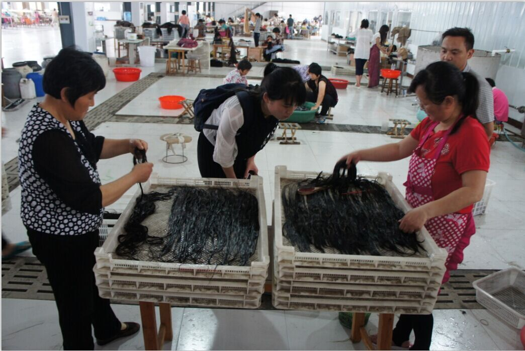 classic wigs workers busy for making hairs